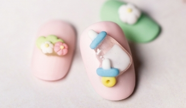透明系粉雕 |專業美甲|沙龍應用|台灣老師|粉雕|Yumi|童趣|奶瓶|奶嘴|教學